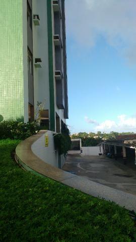 D059 Excelente Apartamento no Farol a Venda