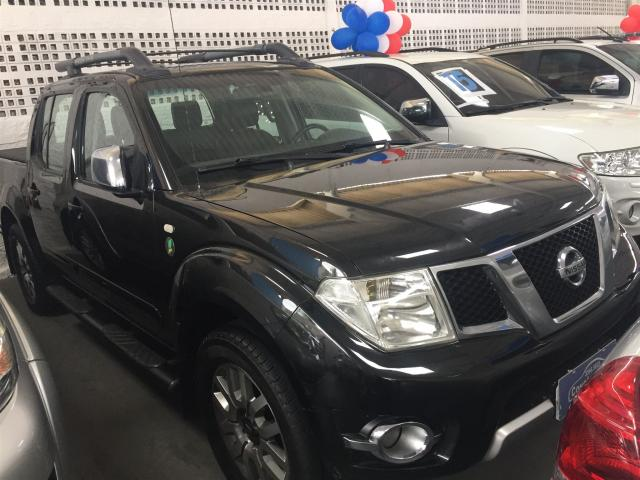 NISSAN FRONTIER 2013/2013 2.5 SV ATTACK 10 ANOS 4X4 CD TURBO ELETRONIC DIESEL 4P MANUAL