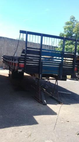 Carroceria de madeira 7.80 - Foto 6