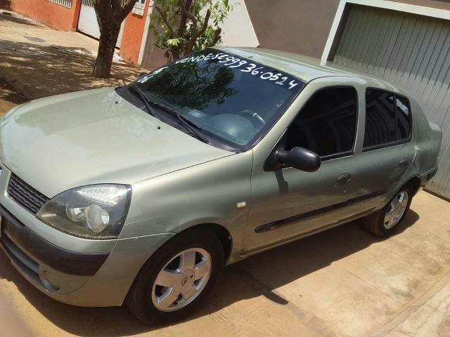 Renault clio flex 1.6 sedan 2006 5p 16v - Foto 2