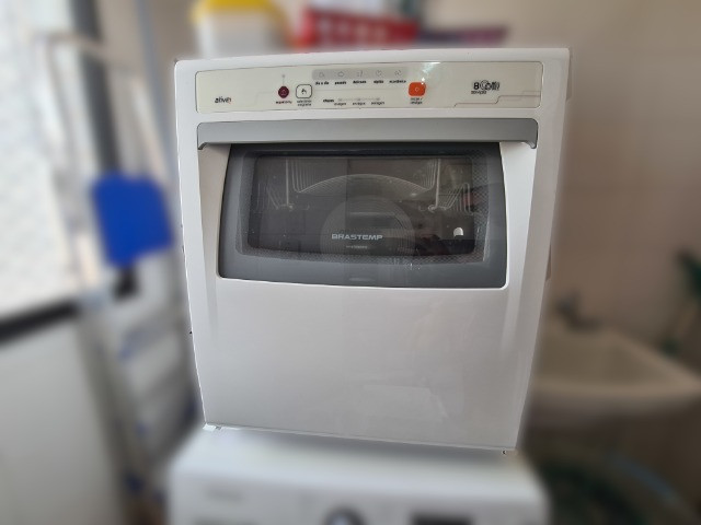 Lava louças Brastemp Active 8 serviços, usada, em bom estado