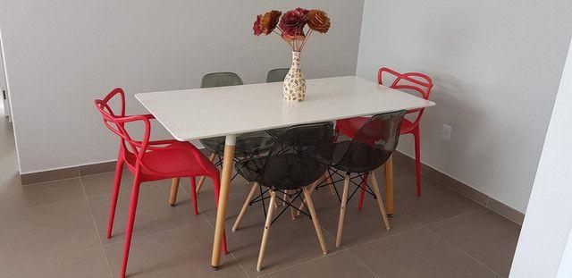 Conjunto mesa com seis cadeiras