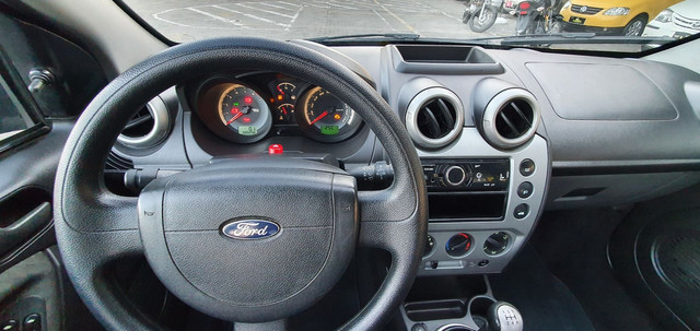 Fiesta Class Hatch 1.6 8v Completo 2012 - Foto 7