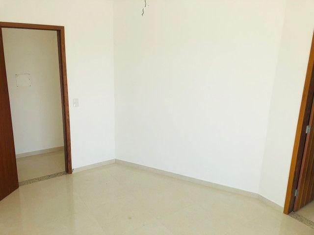 Linda casa com 2 suítes em Santa Mônica - Foto 10