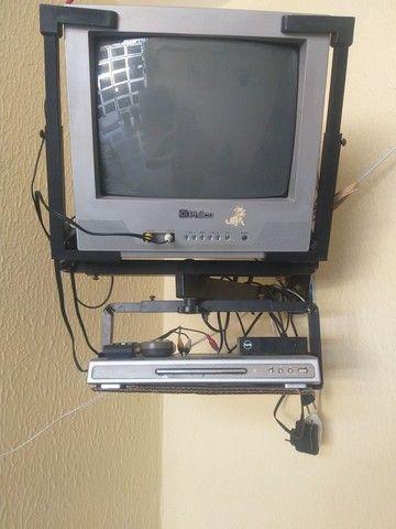 TV DVD conversor digital e suporte Leia o anúncio na descrição