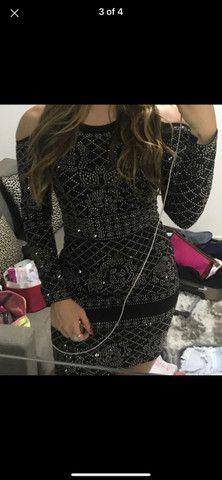 Vestido preto brilhoso - Foto 4