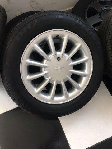 Jogo de Rodas Originais do Omega, Powertech Aro 15 com pneus