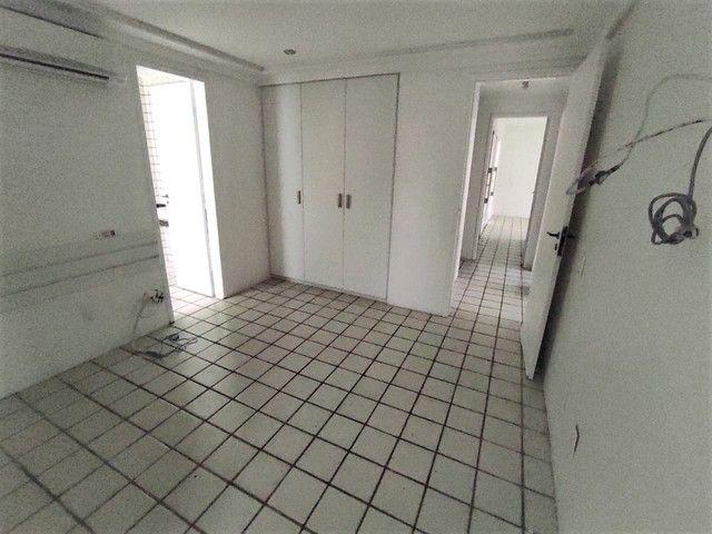 Apartamento no Parnamirim 4 com Quartos 3 Suítes e 222m² - Foto 14