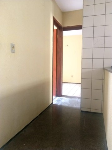 Apartamento para aluguel possui 100 metros quadrados com 3 quartos em Icaraí - Caucaia - C - Foto 9