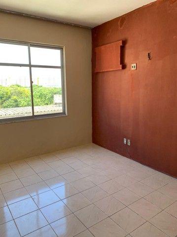Apartamento para aluguel possui 120 metros quadrados com 3 quartos em Fátima - Fortaleza - - Foto 16
