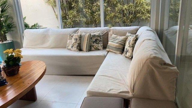 """Vendo sofá em junco de 3mx2,10 (dois módulos de 2,10 que se somam em """"L"""")."""