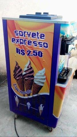 Ótimo envestimento !!! Máquina de sorvete expresso  - Foto 2