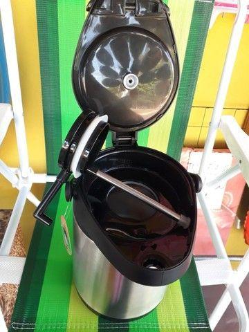 Garrafa Térmica Aço Inox 2,5 Litros com alavanca de pressão - Foto 4