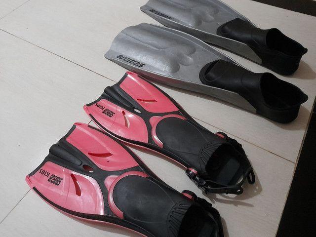 Nadadeiras (pé de pato) seminovas - Foto 2