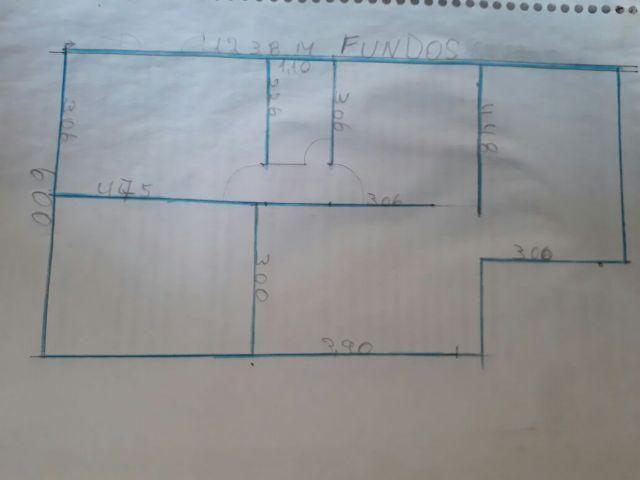 Apartamento: 2 qts, sala, coz., banh., área serviço - obs:
