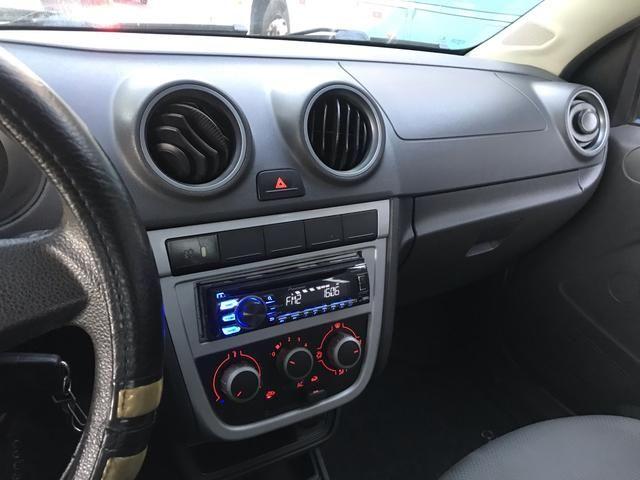 VW Saveiro 1.6 CE segundo Dono - Foto 12