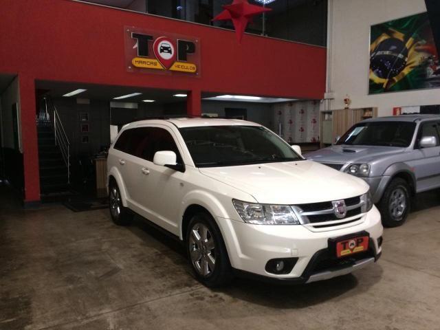 FIAT FREEMONT 2012/2012 2.4 PRECISION 16V GASOLINA 4P AUTOMÁTICO
