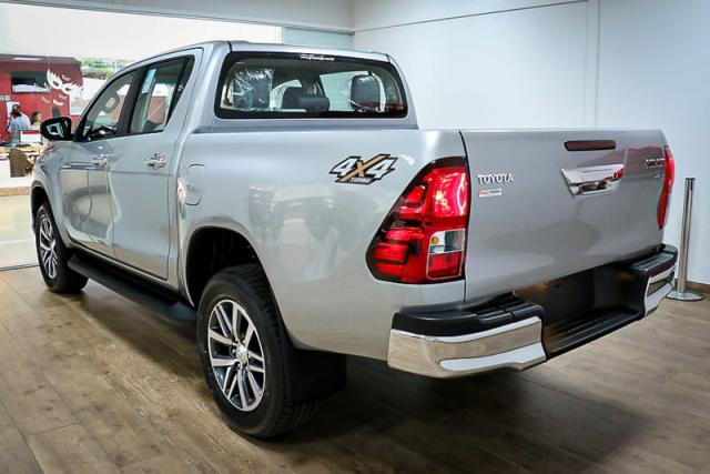 TOYOTA HILUX CD DSL 4X4 SRV AT 19/20 - Foto 4