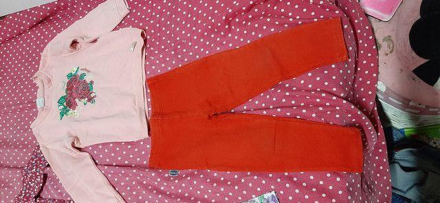 Lote de roupa infantil fem tamanho 2 3 e 4  - Foto 6