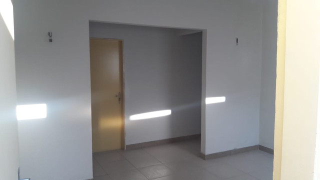 Alugo casa 3 quartos no Bairro Dias Macedo - Foto 4