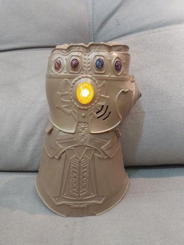 Manopla do Thanos