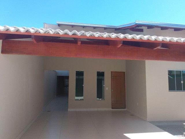 Casa aldeia dos sonhos com pé direito duplo, porcelanato e churrasqueira... Anápolis