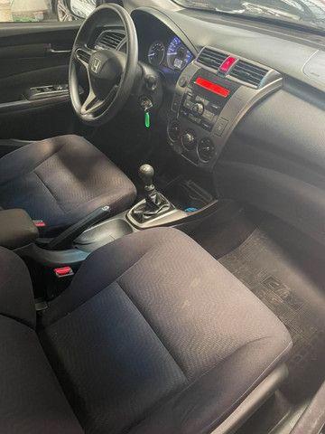 Honda City LX 1.5 - Completo - único dono - Km baixa - Foto 9