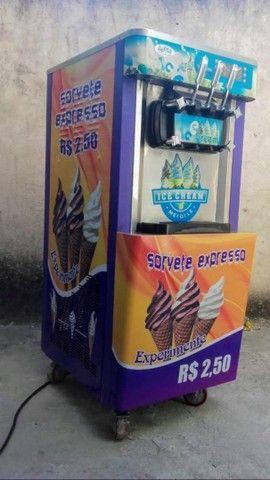 Ótimo envestimento !!! Máquina de sorvete expresso