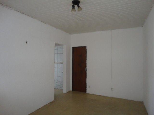 Apartamento com 02 quartos, nascente, sala, cozinha, wc social, em condomínio fechado, amb - Foto 3