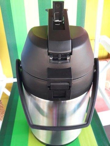 Garrafa Térmica Aço Inox 2,5 Litros com alavanca de pressão - Foto 3