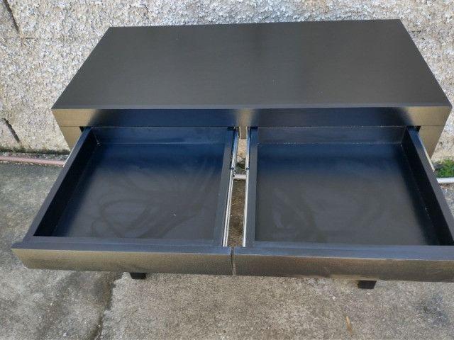 Mesa/escrivaninha / escritório/ com gavetas preta / novo MDF - Foto 4