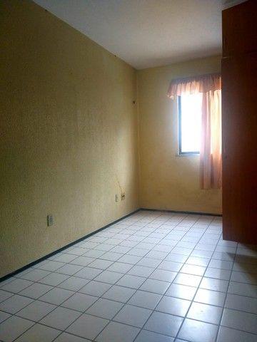 Apartamento para aluguel possui 100 metros quadrados com 3 quartos em Icaraí - Caucaia - C - Foto 13