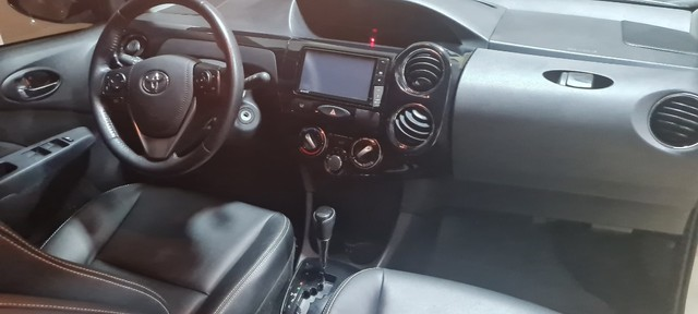 Etios Sedan 1.5 XLS -  2018/19 - Foto 12