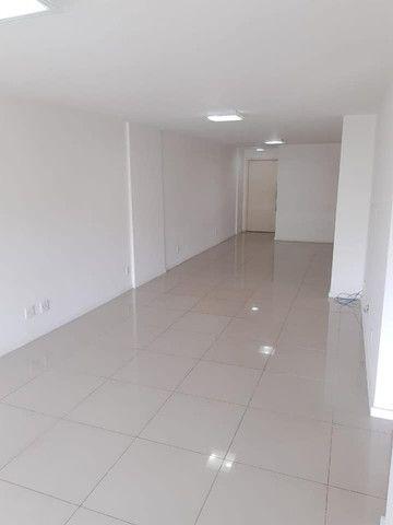 A RC+Imóveis aluga excelente apartamento na Av. Beira rio-Três Rios-RJ - Foto 2