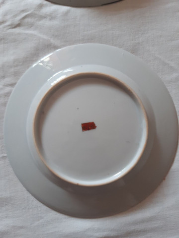 lote 4 pratos porcelanas japonesas antigas pintados à mão filetado a ouro - Foto 3