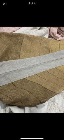 Vestido bandagem dourado - Foto 2