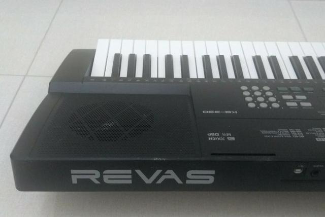 Teclado Roland Revas 333