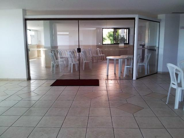 Vendo apartamento com três quartos com dependência no Stiep - Foto 20