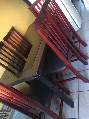 Vendo mesa de Vidro 6 cadeiras
