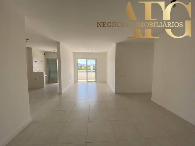 Apartamento a Venda no bairro Jardim Atlântico em Florianópolis - SC. 1 banheiro, 3 dormit