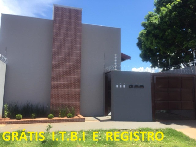 Linda Casa em Condomínio Guanandi