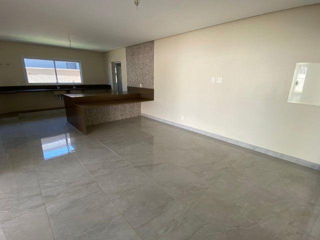 Lindo sobrado de 4 suítes no condomínio Alphaville Goiás - Foto 7