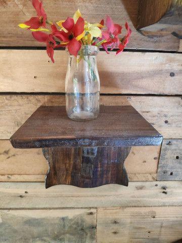 Suporte de madeira rústica para oratório - Foto 5