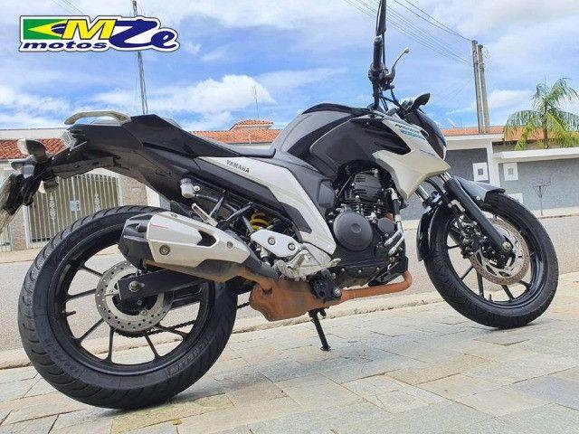 Yamaha FZ 25 Fazer 2020 Preta com 15.000 km - Foto 8