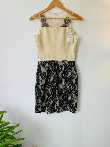Vestido zibeline e renda preta. P  - Foto 6