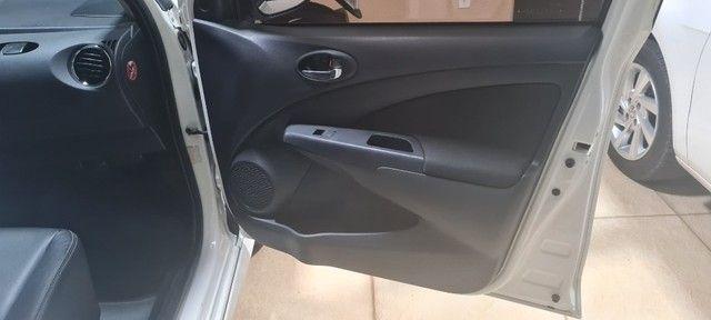 Etios Sedan 1.5 XLS -  2018/19 - Foto 10
