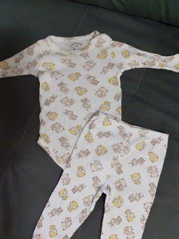 6 conjuntos tamanho M Bebê - Foto 2
