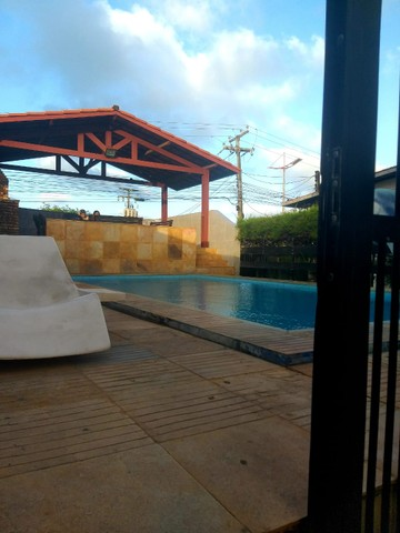 Apartamento para aluguel possui 100 metros quadrados com 3 quartos em Icaraí - Caucaia - C - Foto 2