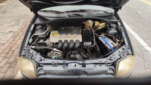 Clio sedan Rn 2002 - Foto 4