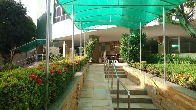 D059 Excelente Apartamento no Farol a Venda - Foto 2
